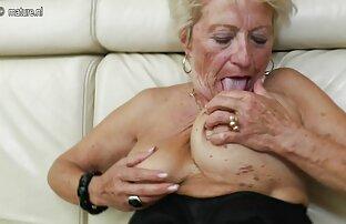 Dopo aver lavorato il suo buco film erotico pornografico con un dildo, una persona che hai preso un grande caldo.